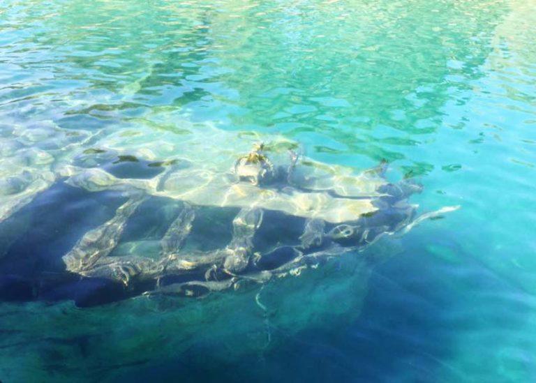 Sunken ship Hvar boat tour