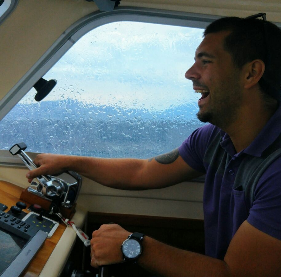 boat charter with skipper